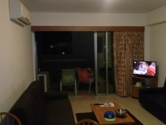Eleonora Hotel Apartments: Room