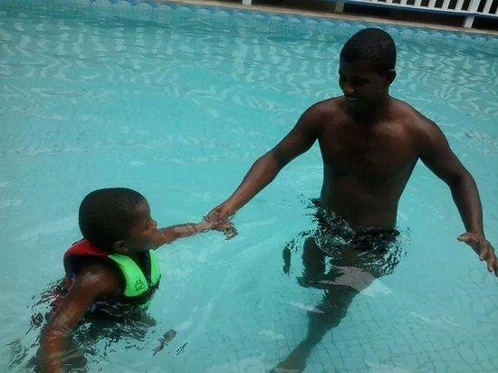 Morro de São Paulo Hotel : Eu e meu filho na piscina.