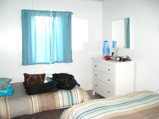 """Burcliffe """"By The Sea"""": Larger bedroom - twin bed & dresser"""