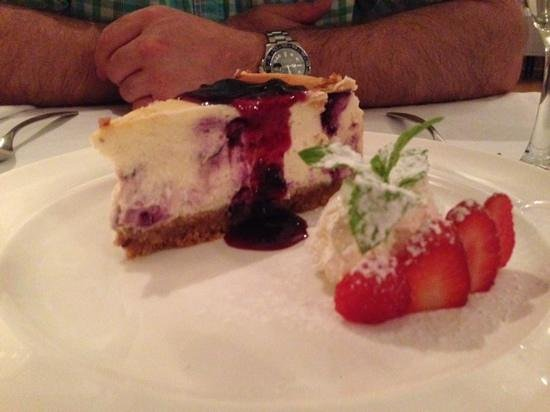 Fig & Olive Restaurant : blueberry cheese cake