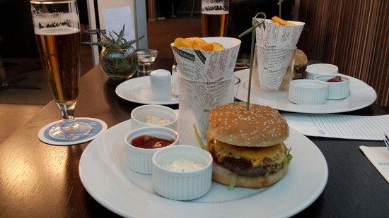 NH Bratislava Gate One: the best Hamburgers ever!!!!