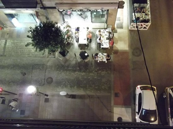 Hostal Garamar: View from the balcony in the street