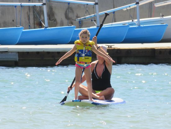 Dana Point, Kalifornia: Great place to teach little ones how to paddle board!