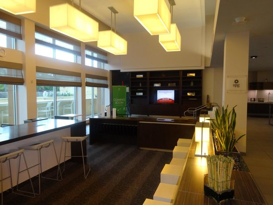 Element Miami International Airport: Half of the Lobby Area