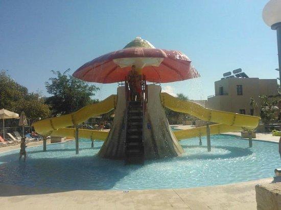 Sirios Village Hotel & Bungalows: piscina