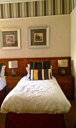Oakfold House: Room