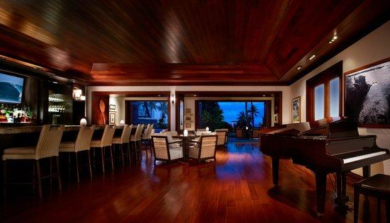 Montage Kapalua Bay: Cane & Canoe Bar