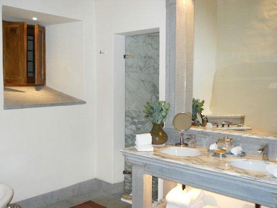 Inkaterra La Casona: Bathroom - Room 11