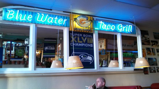 Blue Water Taco Grill : Nice Neon Sign