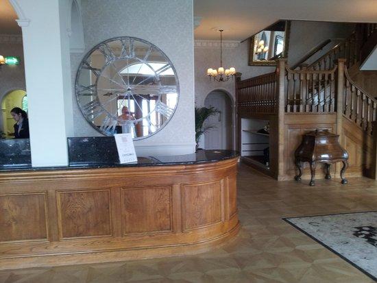 St. Brelades Bay Hotel: reception