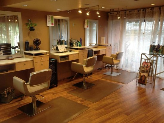 Jacqueline's Salon & Day Spa
