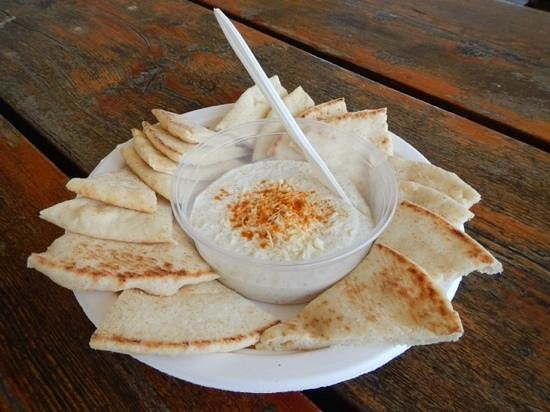 Pelee Island Winery : onion and garlic dip with pita chips