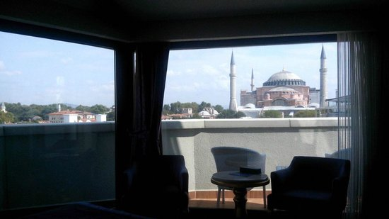 Arden City Hotel: View from our bed :))