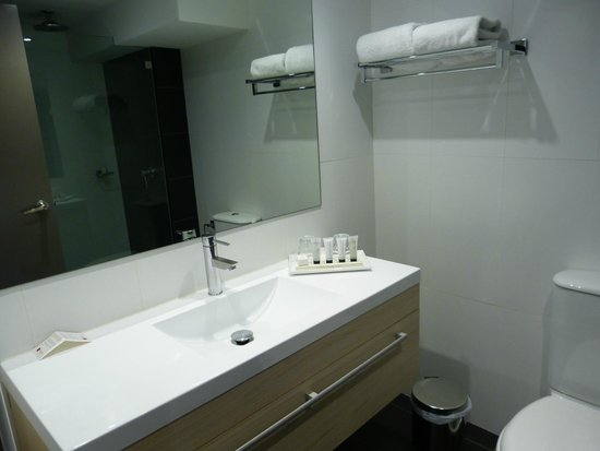 Rendezvous Hotel Sydney Central: Sink area