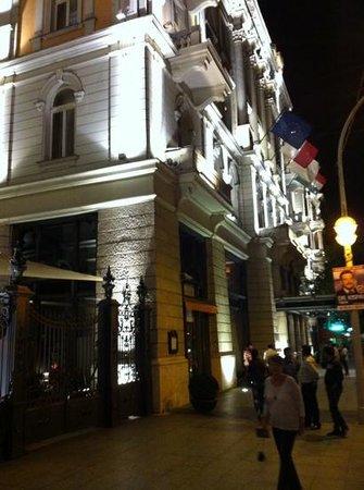 Corinthia Royal Residences: Hotel facade