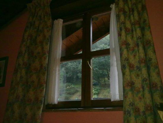 Hotel Posada La Casa de Frama: Confieso que ver llover desde la cama me gusta, pero desde el Tejo no hay más vistas...