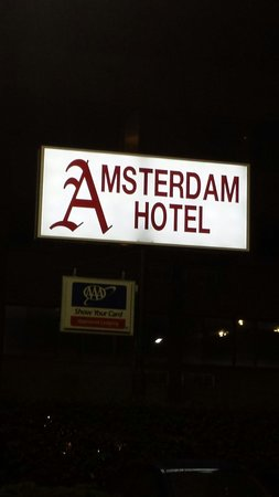 Amsterdam Hotel: Outside sign