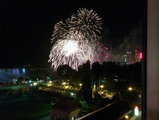 فندق شيراتون أون ذا فولز: Amazing fireworks (taken from our room)