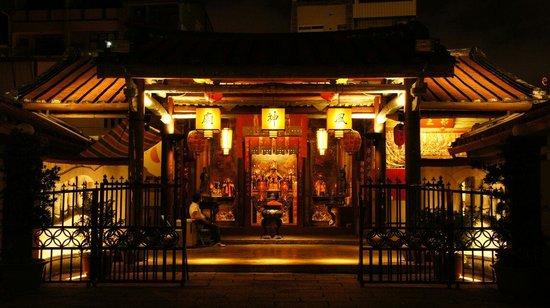該廟是在清乾隆四年(1739年),由臺灣道巡道鄂善所建立,就設在臺灣府大西門外面南河港的河道右側、安瀾橋的旁邊。當時的風神廟是一棟四進的建築,其第一進是大門,第二進是官廳,第三進便是風神殿,而