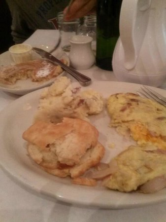 Southport Grocery & Cafe : Pimento cheese omlete/Bread Pudding Pancake.