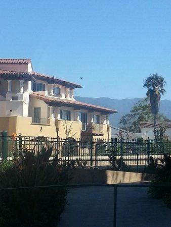 Harbor View Inn: Mountain View