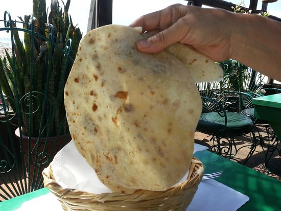 Los Pelicanos Restaurant & Bar: Fresh hand made flour tortillas