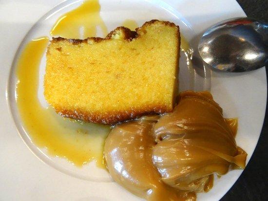 Candombe Resto Bar : Cake and dulce de leche