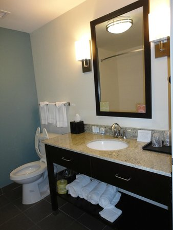Sleep Inn & Suites: Bathroom Sink