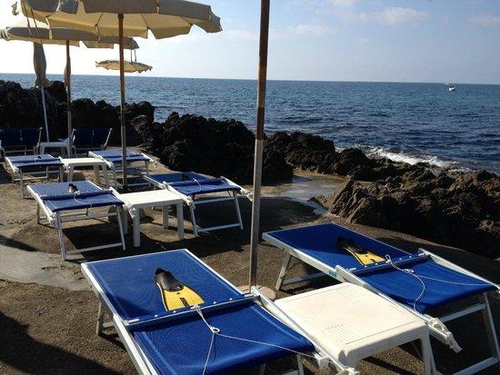 Hotel Punta Rossa: Pinne al sole