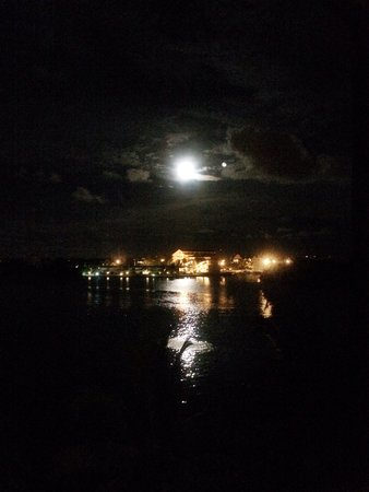 Taino Beach Ferry: Watching the moon from the 4th floor