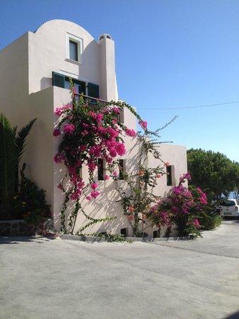 Costa Marina Villas: Surprising and welcoming view of the Villa