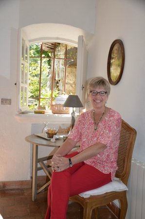 La Vieille Bergerie: adorable sitting area in the room