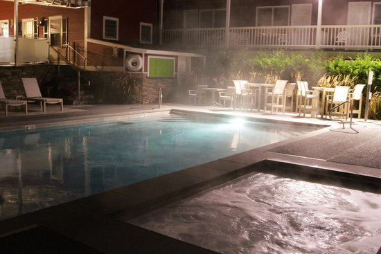 Green Mountain Inn: Pool and hot tub