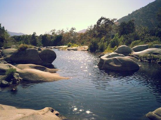 Rio Sierra Riverhouse: Fluss zum baden direkt beim Hotel