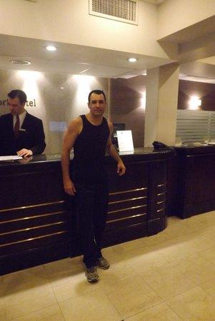 Waldorf Hotel: Recepção do hotel