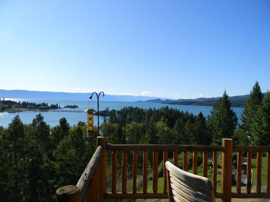 Outlook Inn Bed and Breakfast: View of Flathead Lake from deck