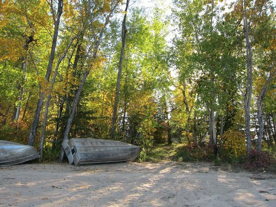 West Hawk Lake : Caddy Lake