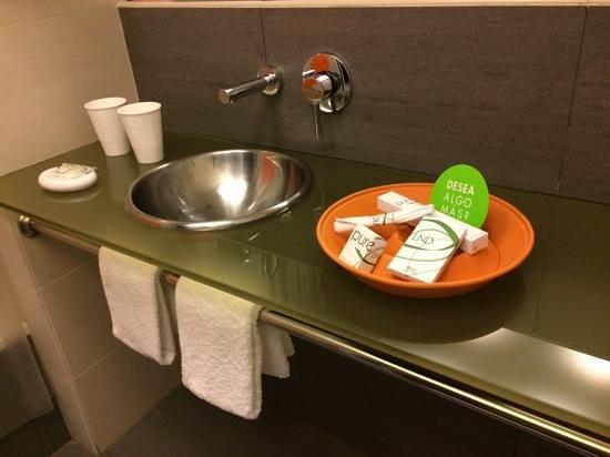 Hotel Sant Cugat: baño