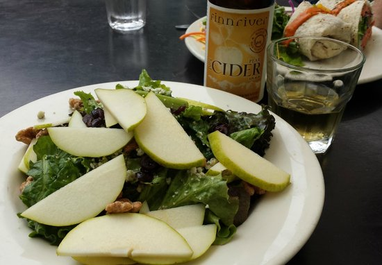 Sixth Street Bistro & Loft : walnut, pear and cranberry salad and pear cider
