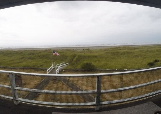 Moonstone Beach Motel : View from room 6