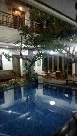 Keraton Inn : Pool