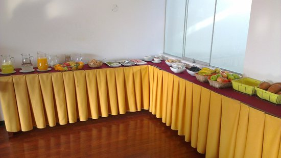 Hotel Golden Inca: Mesa do café da manhã