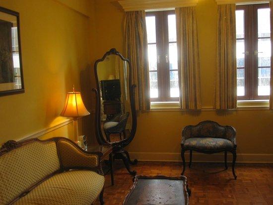 Hotel St. Michel: Sitting area