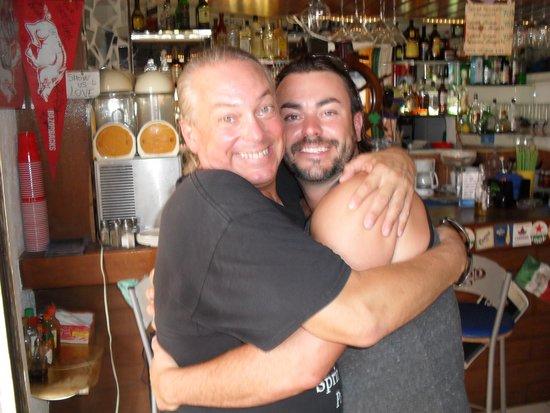 Nash's Sports Bar and Studio Rentals: Greeting a customer...