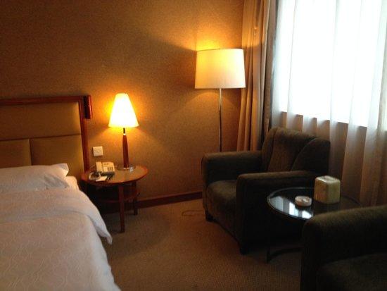Rosedale Hotel Shenyang: 客室のソファー