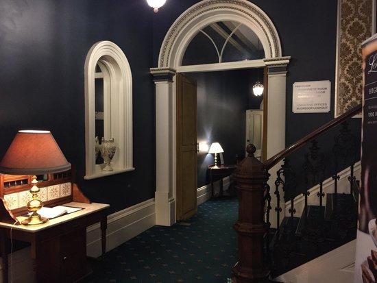 Lenna of Hobart: Part of foyer