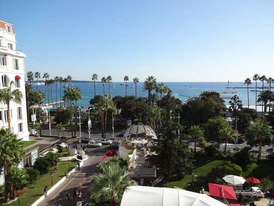 Hotel majestic cannes picture of hotel barriere le for Hotels barriere