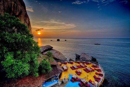 Charm Churee Villa: Sunset view from Starlight Restaurant
