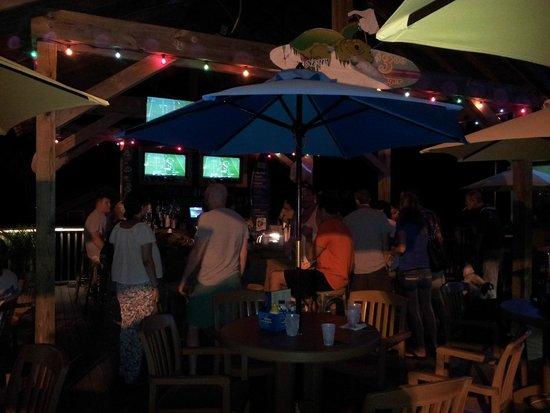 Loggerhead's Beach Grill : Outside