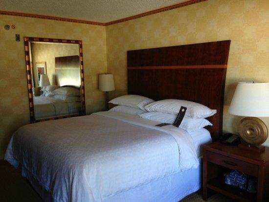 Sheraton Agoura Hills Hotel : Room